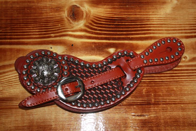 3D Spur Straps with Dots and Concho